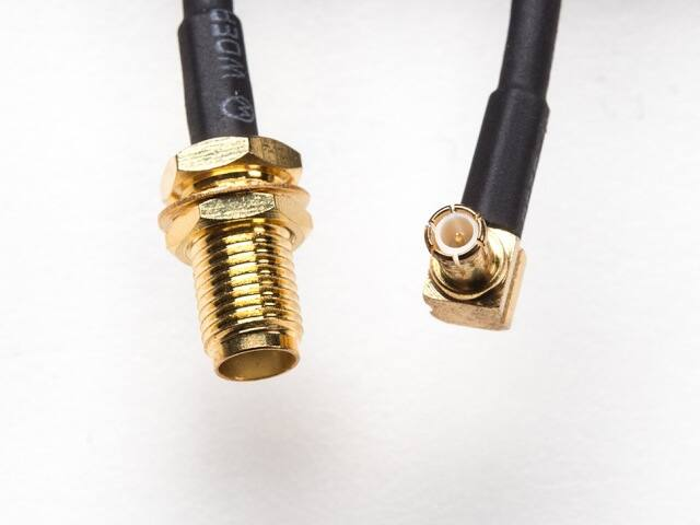A1532 MCX dugó / SMA RF átalakító kábel