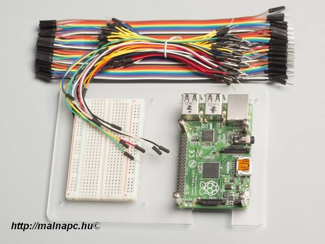 Uni-Pi Mounting Plate - univerzális Pi szerelő lap